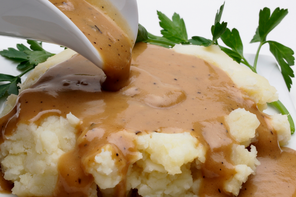 homemade gravy from scratch on mashed potatoes