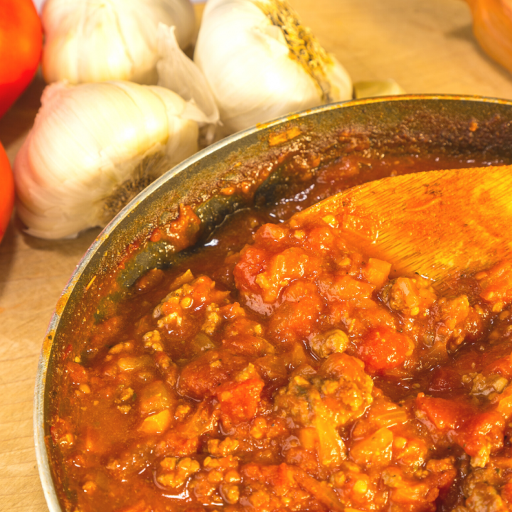 Homemade Spaghetti Sauce REcipe with Tomato Sauce